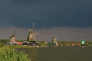 Dark clouds above Zaandam